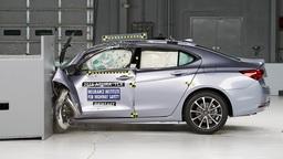 Посчитали-прослезились: сколько стоит ремонт капота Honda Legend?