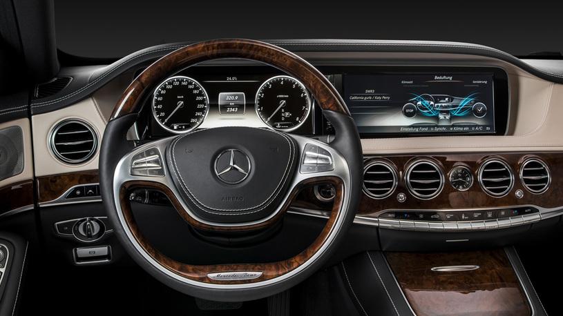 Посчитали-прослезились: замена приборной панели Mercedes-Benz S-Класса