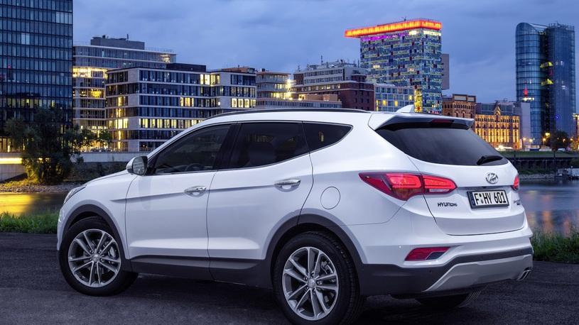 Hyundai показала обновленную модель Santa Fe