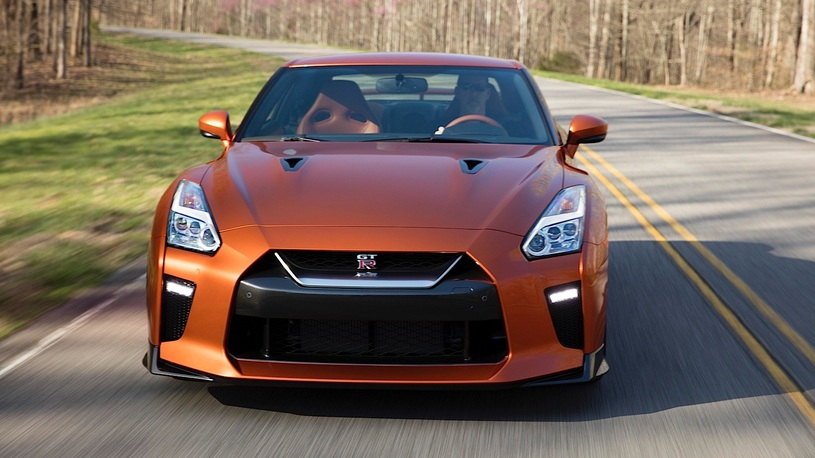 В России открылся предзаказ на обновленный Nissan GT-R