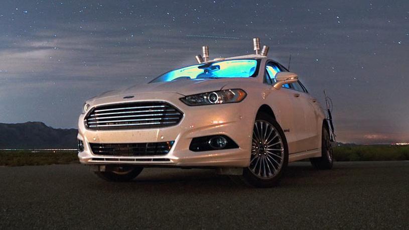 Ford устроил автомобилям-беспилотникам ночные тесты