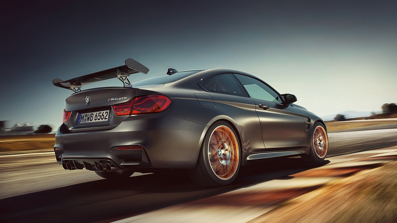 Посчитали-прослезились: задние фонари для самой крутой BMW M4