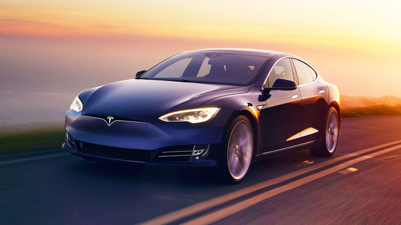 Электрокары Tesla поставили рекорд по дальности пробега