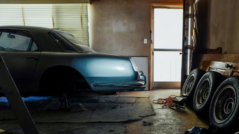 Коллекционную Ferrari более 30 лет прятали в однокомнатной квартире