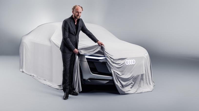 Audi готовит премьеру концепта кроссовера E-Tron Sportback вШанхае class=