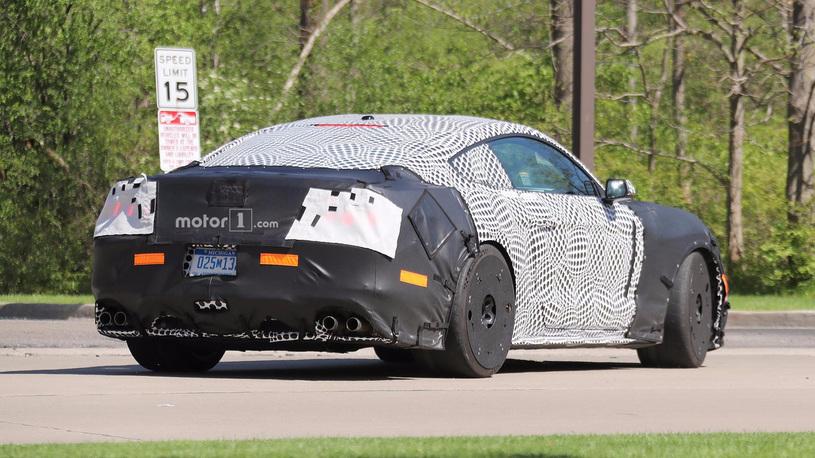 Форд засветил натестах загадочный Mustang