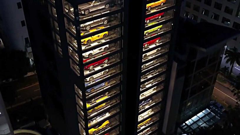 В Сингапуре построили гигантский автомат по продаже суперкаров