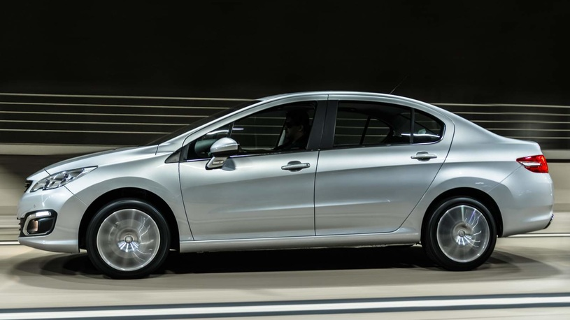 Пежо озвучила цены икомплектации обновлённого седана 408