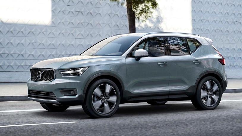 Официально представлен самый маленький и дешевый кроссовер Volvo