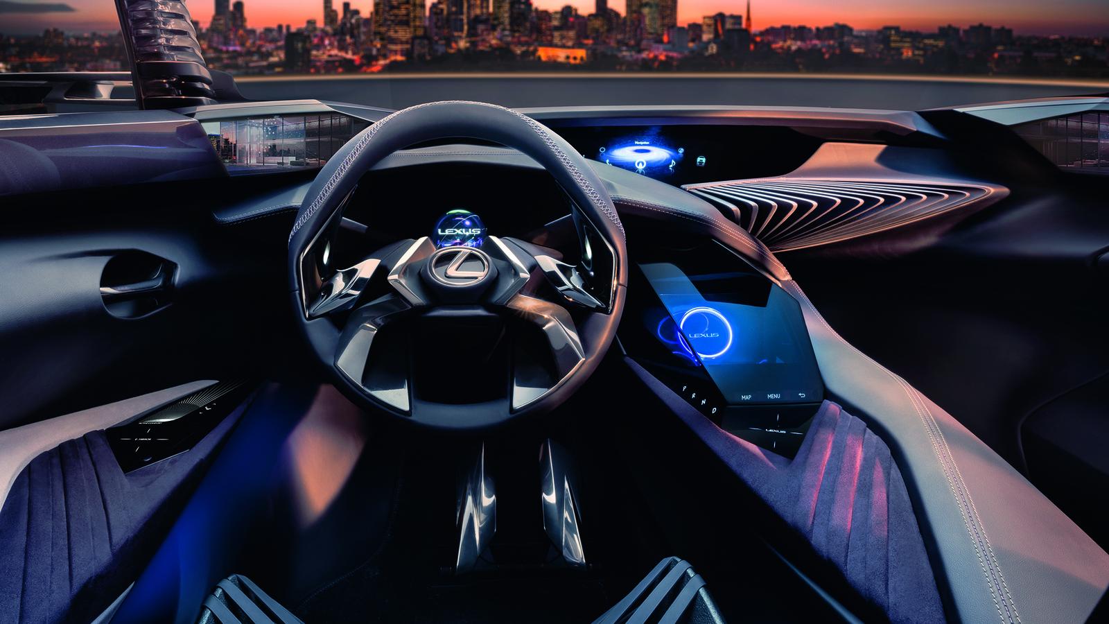 """Lexus выкатил кроссовер с """"кинетическими"""" креслами"""