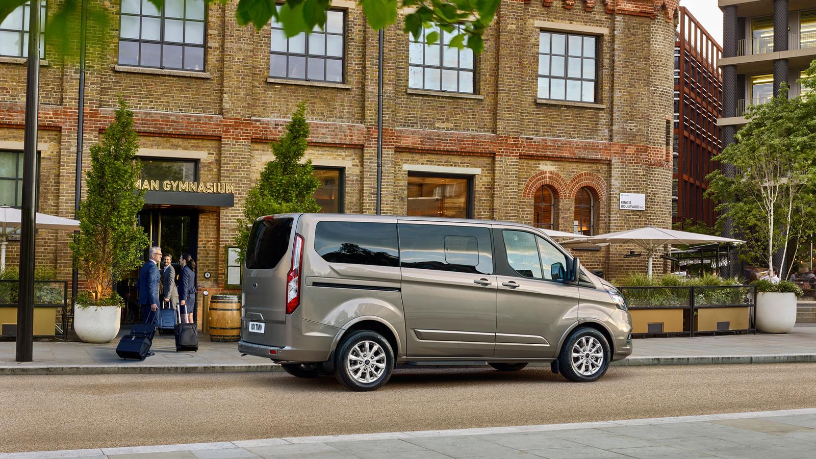 Форд  обновил микроавтобус Tourneo Custom