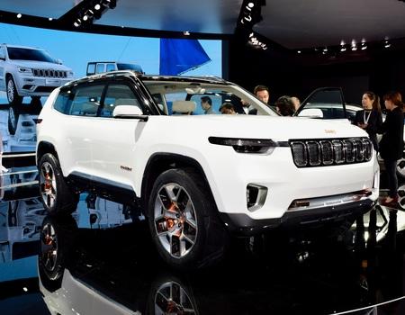 Огромный Jeep Yuntu