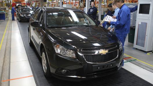 Петербуржский заводGM возобновит сборку машин в2015г.