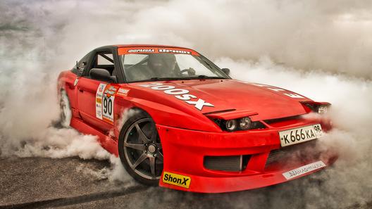 Пользователи интернета выбрали лучшего спортивного автомобильного фотографа