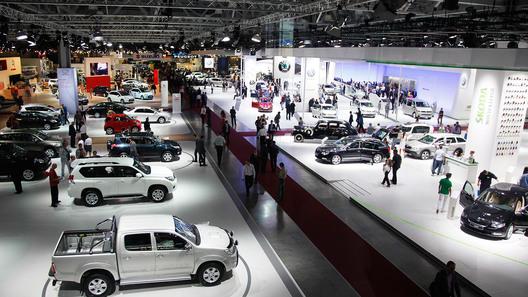 Вмосковском автомобильном салоне примут участие только два русских производителя автомобилей изтоп-10