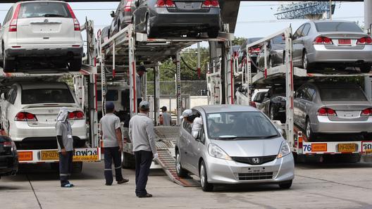 Неменее 700 машин «зависли» надальневосточной таможне из-за требования обустановке ГЛОНАСС