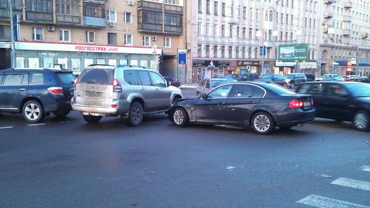 Медведев подписал распоряжение обизменении вПДД вчасти опасного вождения