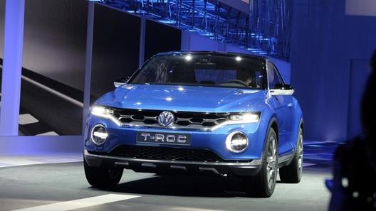 VW  официально представит кроссовер T-Roc уже вконце лета