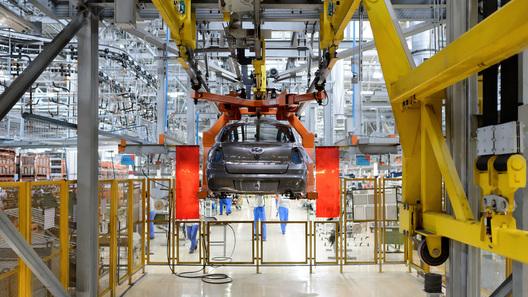 Производство легковых автомобилей в России выросло почти на четверть