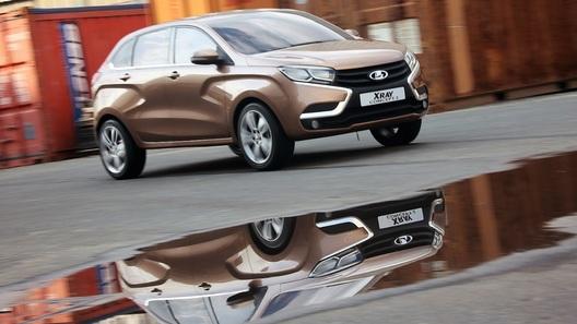 Lada XRay обойдется в 430 тысяч рублей, XRay Cross - в 500 тысяч
