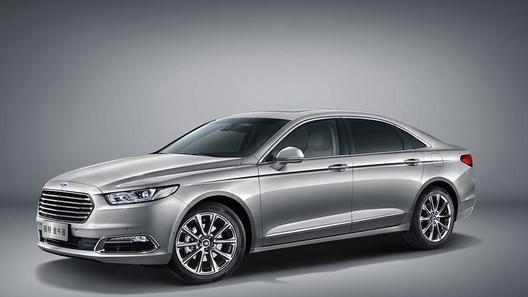 Новый седан Ford отнесется с особым почтением к сидящим сзади