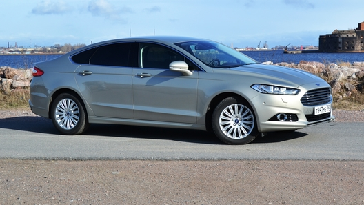В РФ под отзыв попал Форд Mondeo 2014 и нынешнего года выпуска