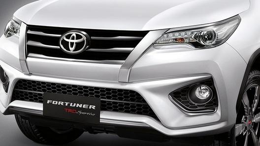 Тойота привезет в РФ новый рамный джип Fortuner