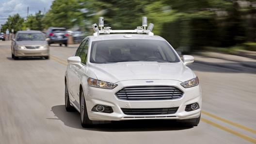 Ford планирует начать выпуск беспилотных автомобилей к2021 году