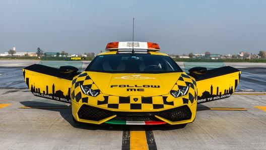 Lamborghini Huracan поступил наслужбу ваэропорт