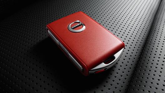 Компания Вольво Cars разработала «Красный ключ» для молодых водителей