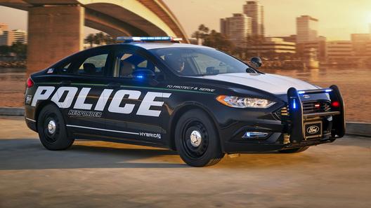 Форд впервый раз отправил гибриды наслужбу вполицию