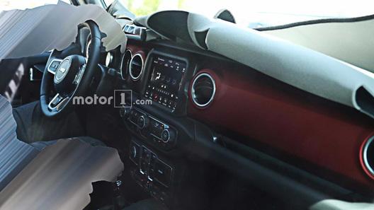 В кнопках внутри нового Jeep Wrangler можно будет заблудиться