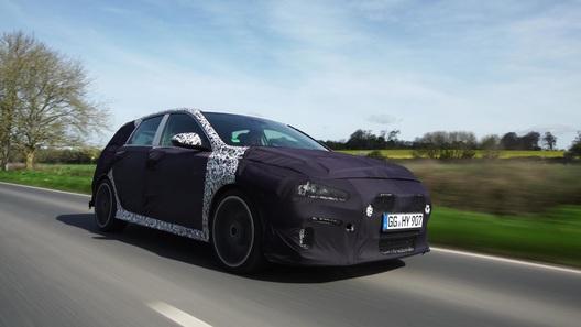 Спортивный Hyundai i30 Nзапечатлели на дорогах Великобритании