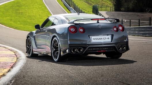 Посчитали-прослезились: выпускная система Nissan GT-R