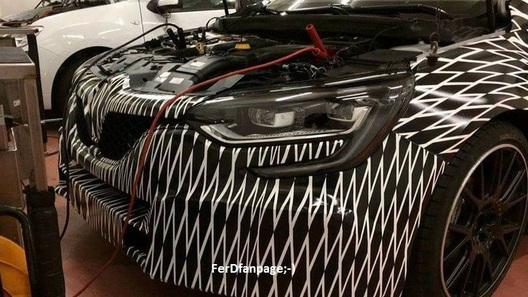 Фотошпионам удалось заглянуть под капот нового Renault Megane RS