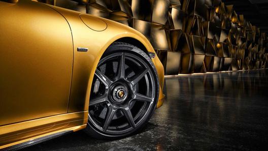 Порш сделал карбоновые диски для 911 Turbo SExclusive Series