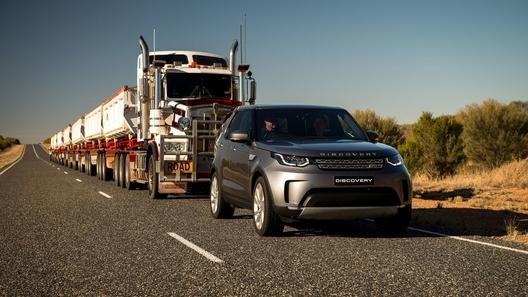 Лэнд Ровер Discovery 16 километров тащил автопоезд весом 110 тонн
