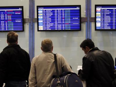 В ожидании снега: в аэропортах Москвы отменили более 50 рейсов