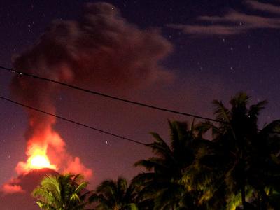 На острове Сулавеси из-за активизации вулкана объявлена чрезвычайная ситуация