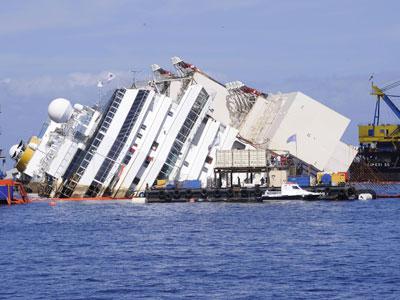 """В Италии, возможно, нашли останки последней жертвы крушения """"Коста Конкордии"""""""