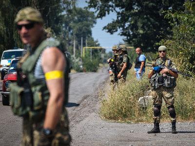 В окружение с украинскими военными попали три журналиста