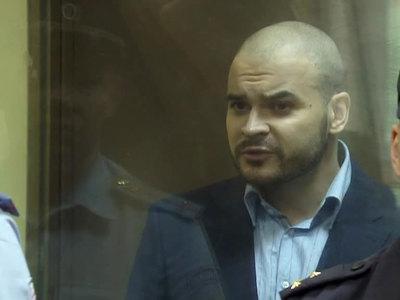Тесака обвинили в хулиганском нападении на драгдилера
