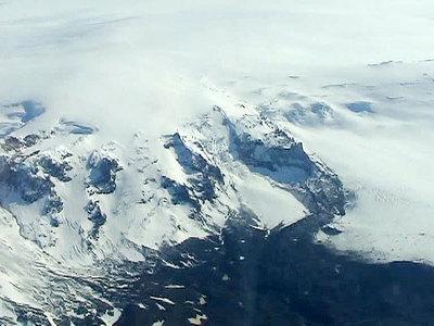 Опасность извержения исландского вулкана вновь достигла критической отметки