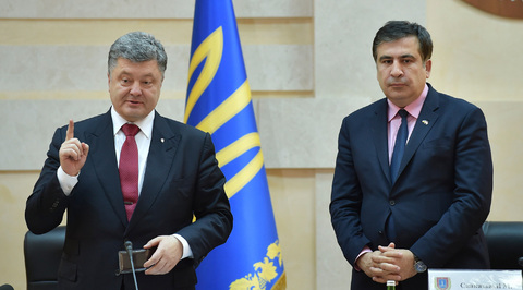 Нелюбовь, пощечина и удовольствие: политики о назначении Саакашвили