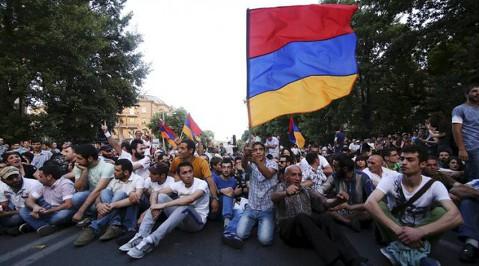 Армения: политический или социальный протест?