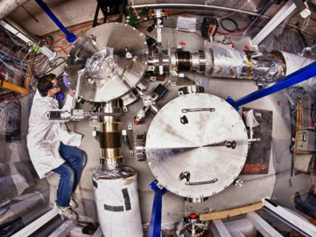 Оборудование для проведения эксперимента Holometer (фото Fermilab).