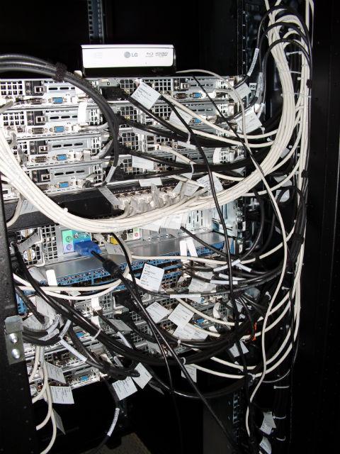 Суперкомпьютер в университете Билефельда, на котором проводилось компьютерное моделирование (фото Nature Communications).
