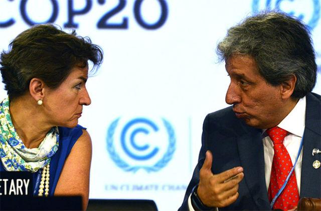 Исполнительный секретарь РКИК ООН Кристиана Фигерес (Christiana Figueres) и министр охраны окружающей среды Перу Мануэль Пульгар-Видаль на климатическом саммите в Лиме (фото Cris Bouroncle).