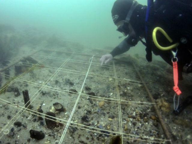 Подводные раскопки в Булднор Клифф, в ходе которых была обнаружена ДНК пшеницы (фото Roland Brookes/The Maritime Trust).