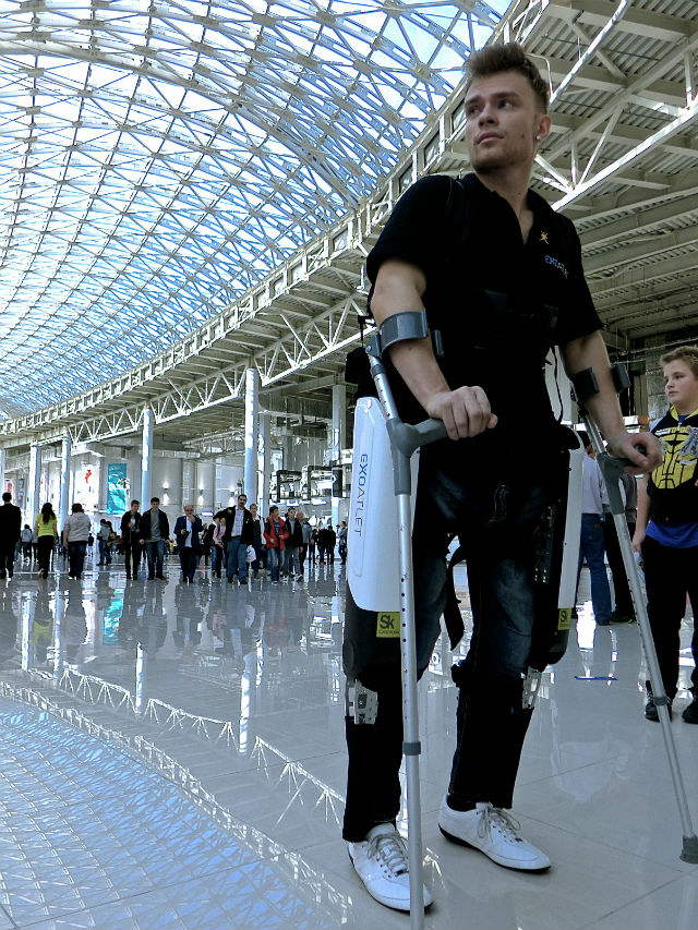 Сотни людей из России и других стран хотят участвовать в испытаниях данной разработки (фото ExoAtlet/Flickr).